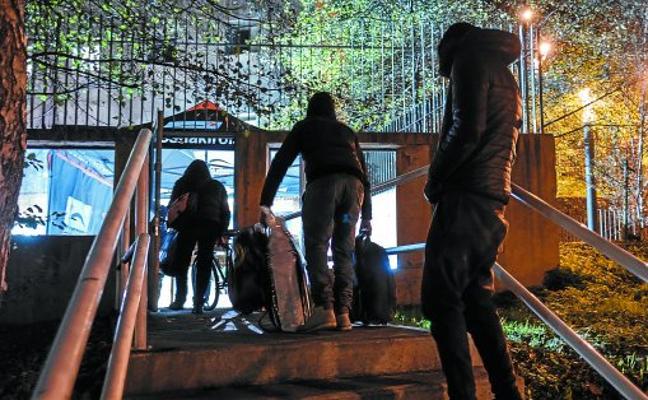 Los albergues donostiarras para personas sin techo se refuerzan con 40 camas hasta abril
