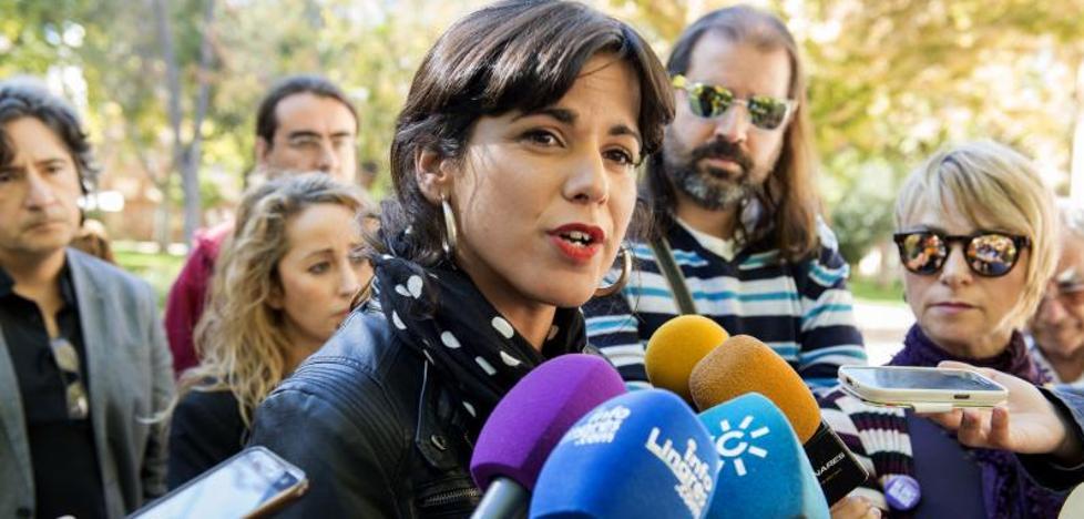 La Fiscalía pide 1 año y 9 meses para el empresario que simuló besar a Teresa Rodríguez