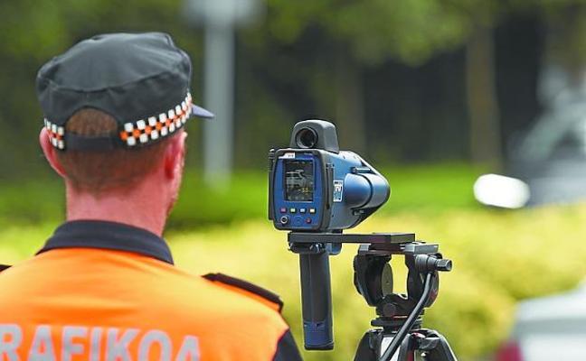 Los servicios jurídicos avalan la legalidad del uso del radar móvil por agentes de Movilidad