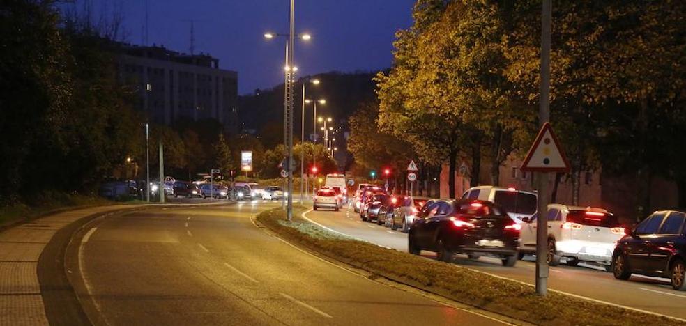 Fallece un motorista de 50 años en un accidente en San Sebastián