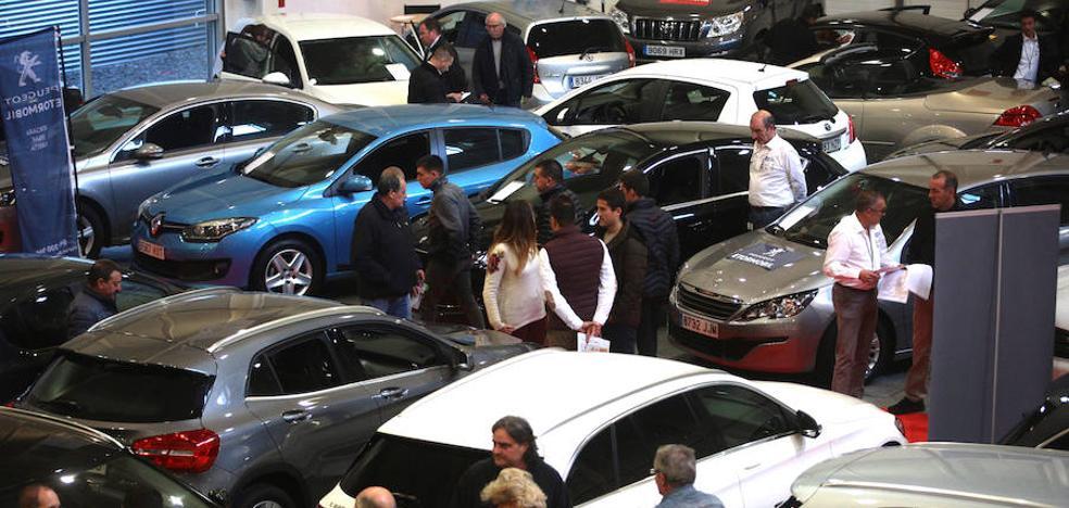 Gran ambiente en la primera jornada de Ficoauto, la mayor oferta automovilística de Gipuzkoa