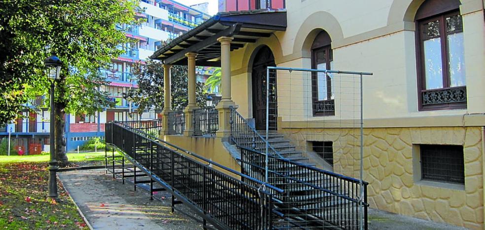 Una estructura metálica en rampa para la accesibilidad del palacio de Gaztan Enea