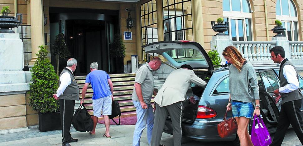 Los estadounidenses son ya los turistas extranjeros que más pernoctan en San Sebastián
