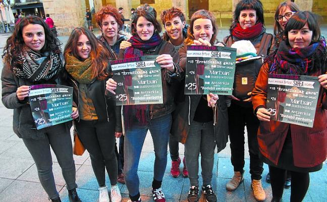 Azaroaren 25ari begira egitarau bateratua osatu dute herriko feministek