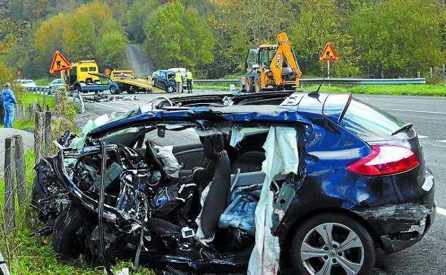 Investigan si un 'kamikaze' provocó el doble accidente mortal de Navarra