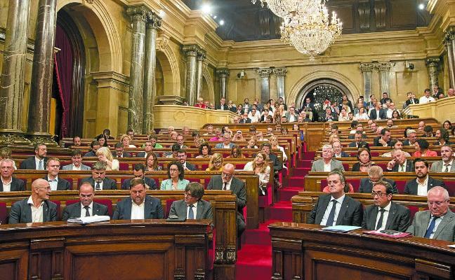 Cataluña se asoma a un ingobernable tablero tras el 21-D