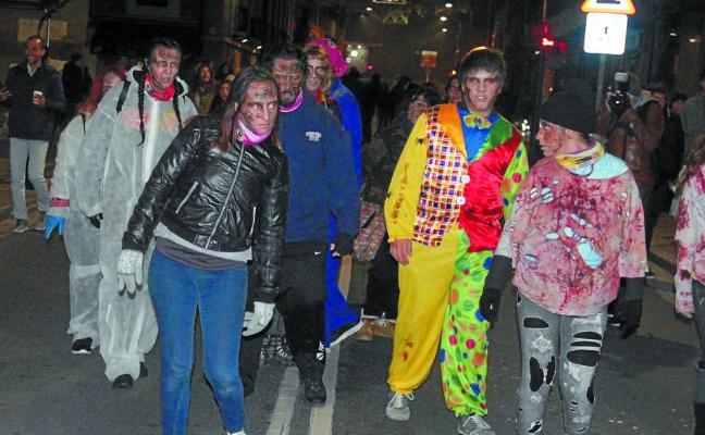 Un apocalipsis zombie se adueñó de la gélida noche