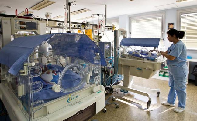 Satse cifra la plantilla «ideal» de enfermería en más del doble que la actual