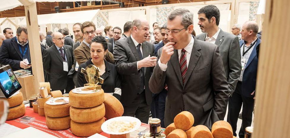 Idiazabal y Artzai Gazta sitúan 54 quesos entre los mejores del mundo