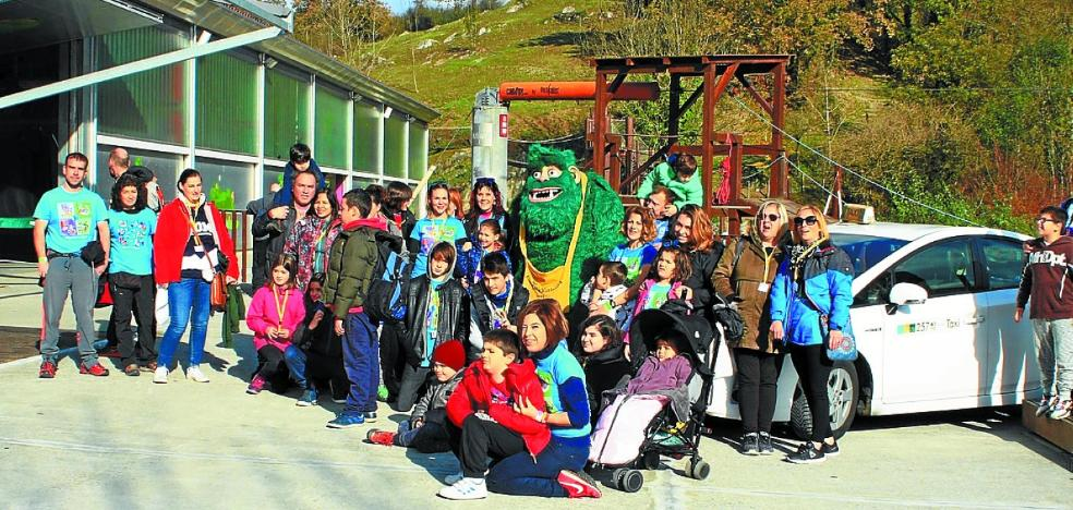 Familias de la Asociación Navarra de Autismo visitaron Irrisarri Land