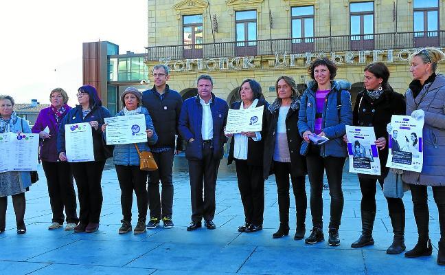 El Ayuntamiento y las asociaciones de mujeres animan a reivindicar el 25N