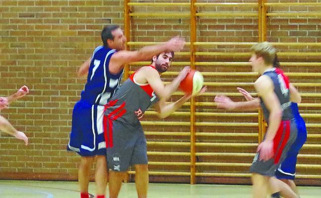 El primer equipo de basket del Arri BKL se impuso al líder, San Cernín (84-73)