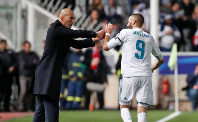 Zidane: «Me alegro por Benzema y Cristiano; hay que seguir»