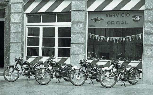 1957. La mala idea de hacer que las motos aparquen en las aceras