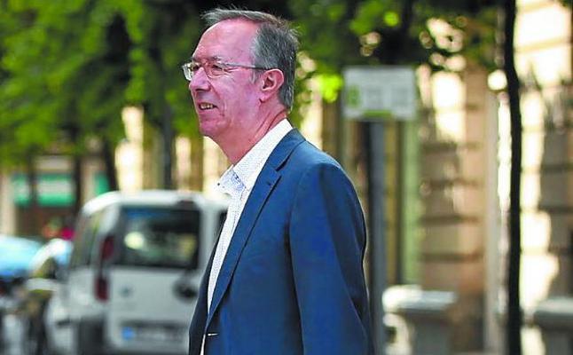 Alberto López Basaguren: «La sociedad vasca ha sido muy injusta con el esfuerzo del Estado al reconocer una singularidad que es única»