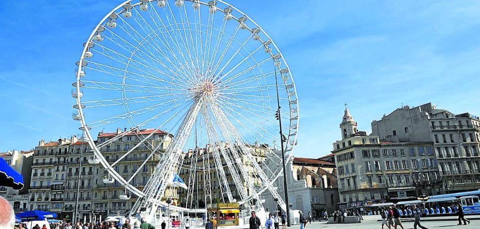 Una noria de 45 metros de altura se colocará en el acceso al mercado de Navidad de San Sebastián