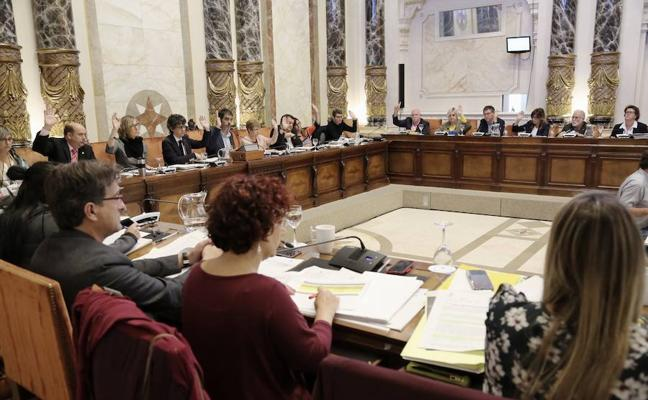 El Pleno aprueba hoy una subida de un 2% para la kirol txartela y un 3% para los cursillos