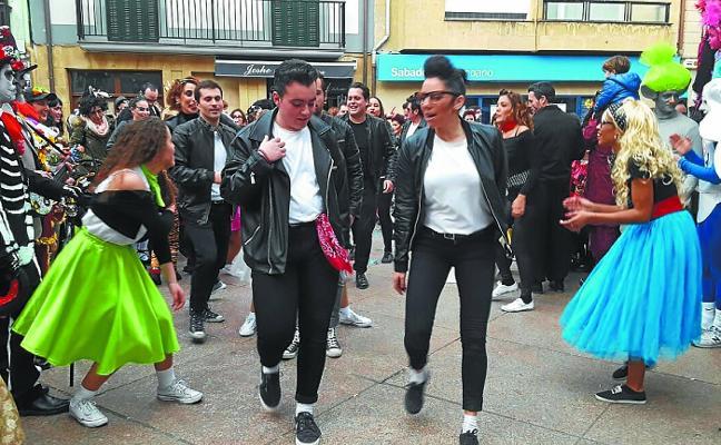 Más de 100 personas inscritas para la comparsa 'Karibetik' del carnaval