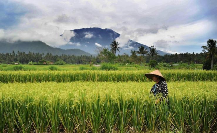 El volcán Agug en riesgo de erupción