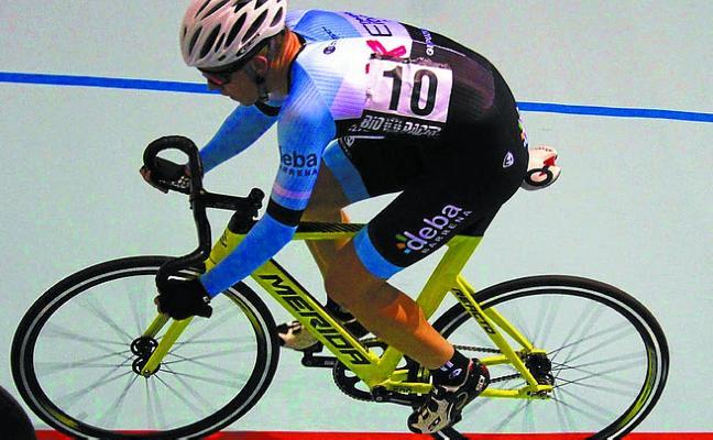 Urko Semperena mantiene el liderato en el Bio Racer Oiartzun Bike de Pista