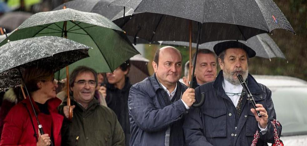 Ortuzar emplaza a Madrid a «acordar el estatus político de Euskadi y Cataluña»