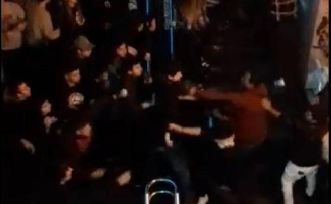 Investigan una multitudinaria pelea en una zona de copas de Eibar