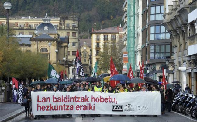 La huelga de profesores logra un respaldo «masivo» según los sindicatos y del 46% para el Gobierno Vasco