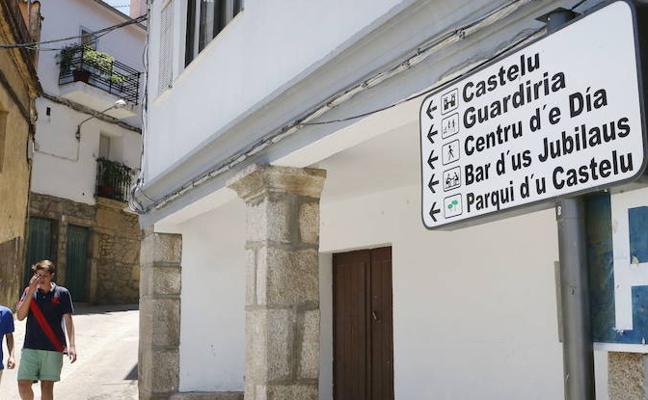La mitad de los españoles habla segundo idioma