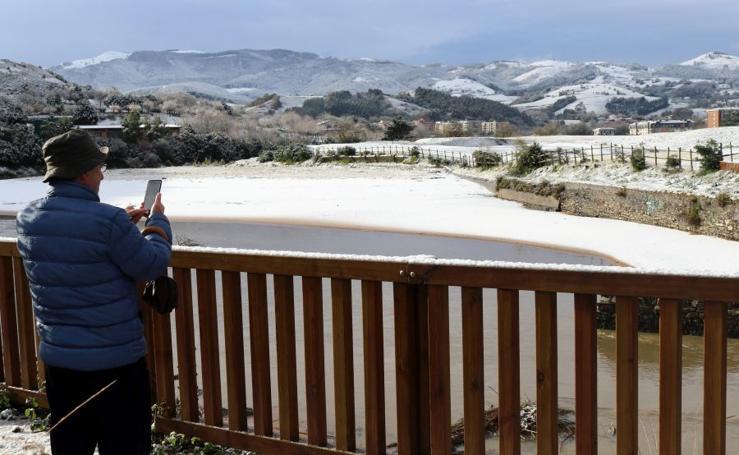 La nieve cubre Zarautz