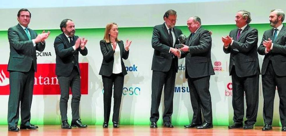 Los empresarios españoles homenajean a la patronal vasca por resistir ante ETA