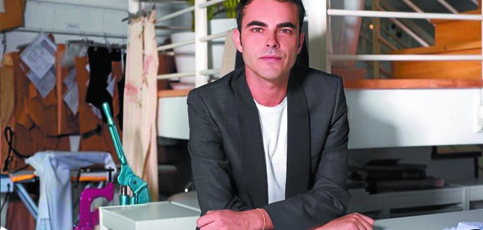 El Museo acogerá una exposición sobre el diseñador de moda Ion Fiz