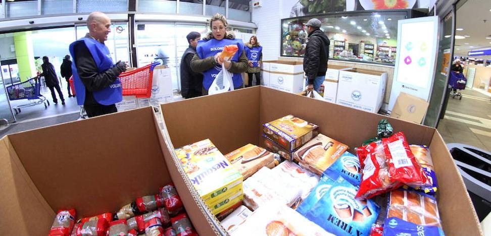 Menos kilos de comida pero más dinero en la Gran Recogida del Banco de Alimentos