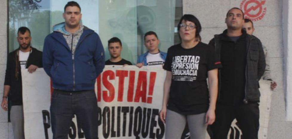 Dos años de prisión a 12 raperos por enaltercer el terrorismo en Youtube