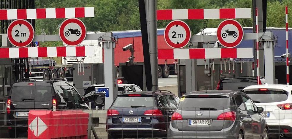 Tráfico pide prudencia en el puente ante el incremento de desplazamientos