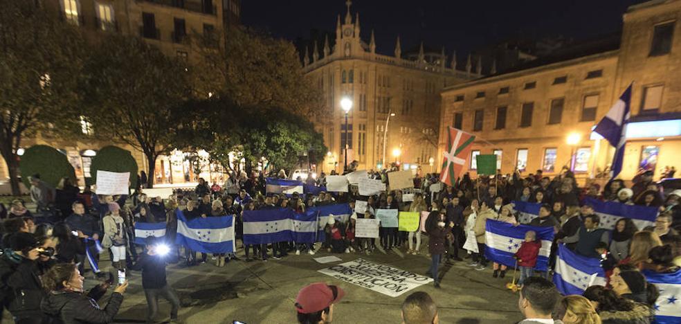 Los hondureños de Gipuzkoa piden una solución a la crisis del país