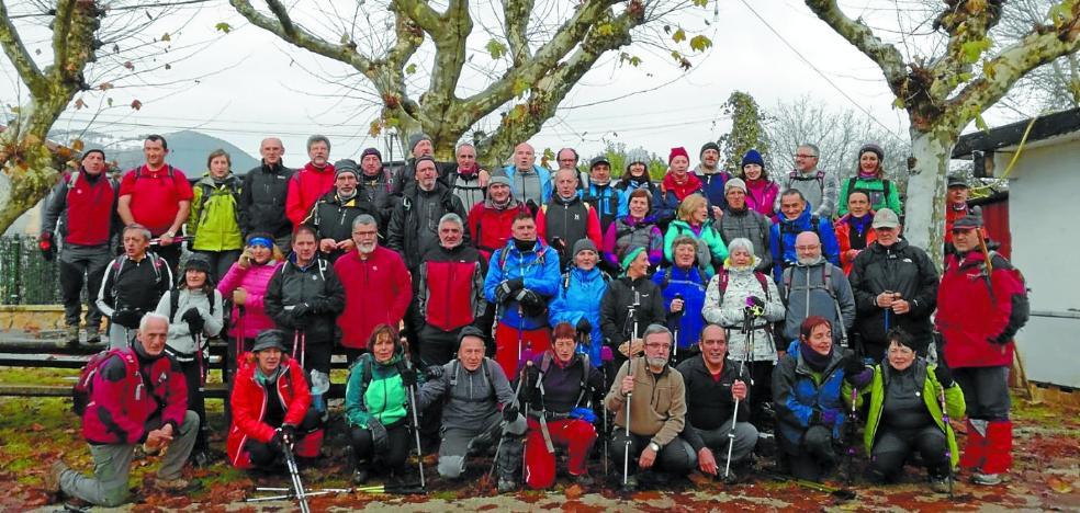 Salida montañera por Leitzaran y comida de hermandad en la Peña