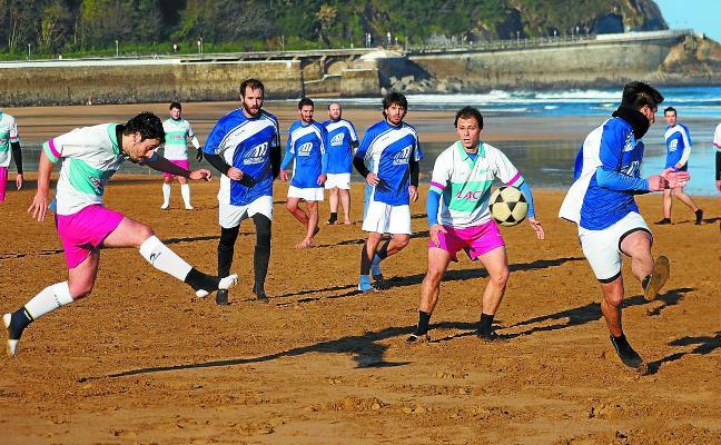 Soleada y fría quinta jornada del Campeonato Playero sénior