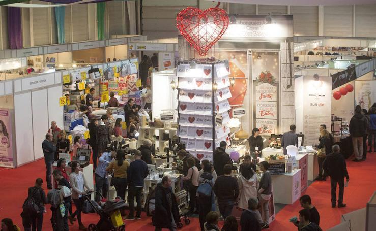 Gran ambiente en la apertura de la Feria de Navidad en Ficoba