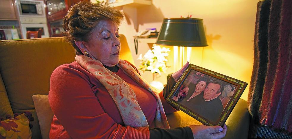 Juani Pérez: «Le asesinaron y seguían las amenazas. Me decían: 'Ya está donde debía estar'»