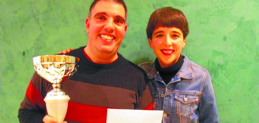Segundo premio para Legorburu en el Bertsopaperak de Eibar