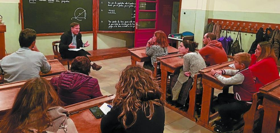 Una mirada a la educación durante el franquismo con el catedrático Iñaki Zabaleta