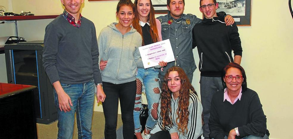 Entregados los premios de la cuarta edición del concurso Beldur Barik