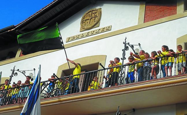 La bendición de las banderas de remo, hoy, como colofón a las fiestas de San Nicolás