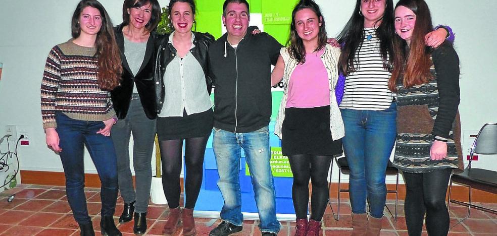 Concurso de cartas de amor y mercado de libros en euskera con Jardun