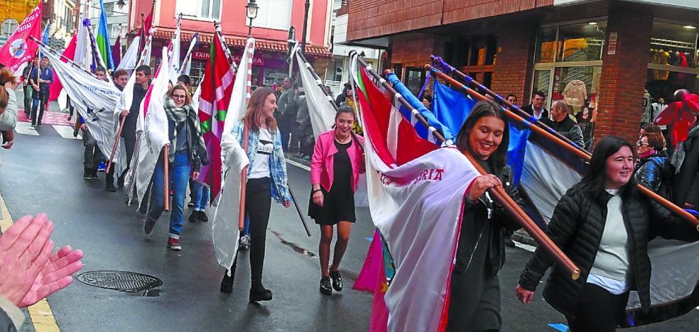 Día grande con la bendición de las banderas