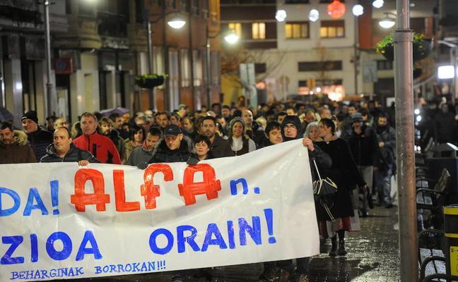 Los trabajadores de la empresa de Alfa que pide su liquidación mantienen la huelga indefinida