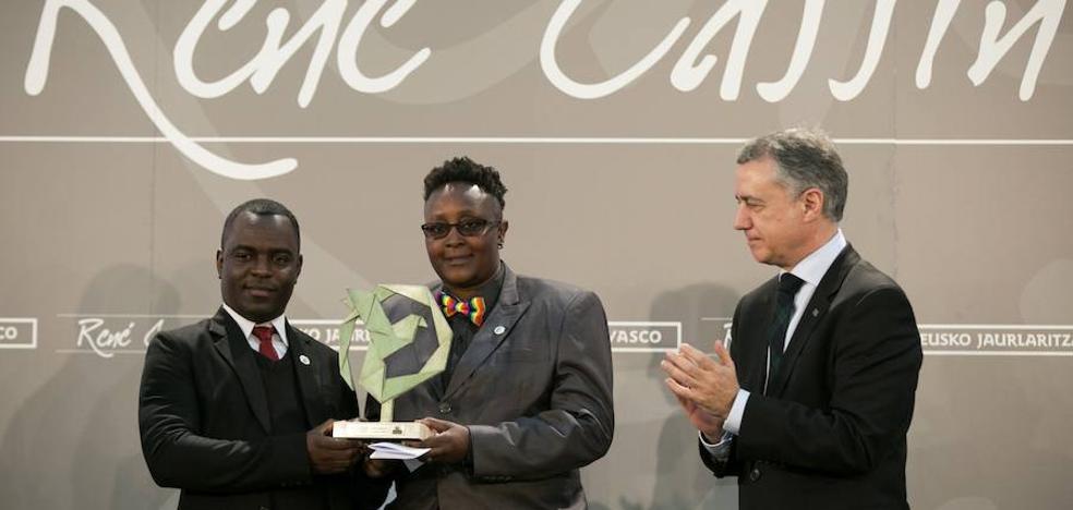 Urkullu apela, en la entrega del premio René Cassin, a la dignidad humana para extender el respeto a colectivo LGTBI
