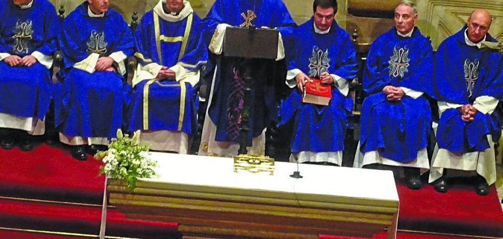 Estreno de Rafa Olaizola como sacerdote
