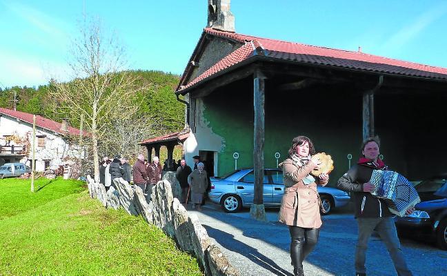 Santa Luzia jaiak ospatuko dituzte bihar Elosiaga auzoan