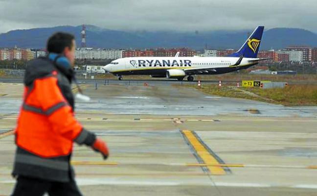 Dos chárters que debían aterrizar en Foronda el domingo no pudieron hacerlo por el temporal